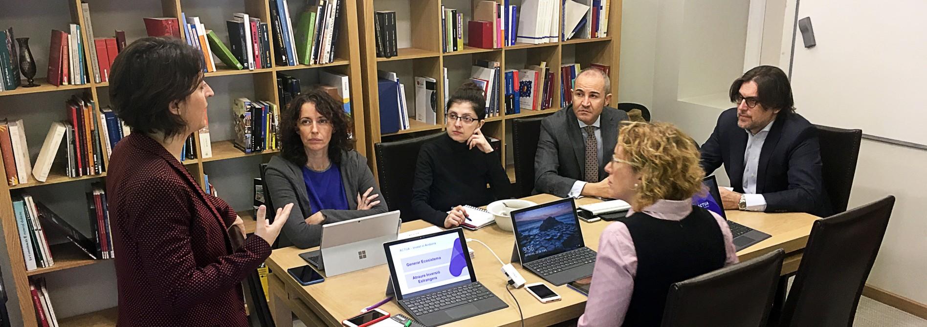 ACTUA refuerza la formación en inversión extranjera de los diplomáticos de la Embajada de Madrid