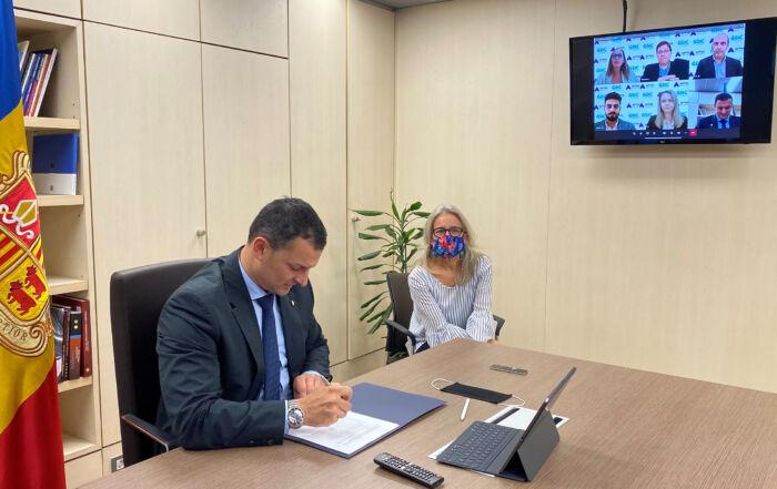 Signatura acord ministre Gallardo amb GSIC Microsoft1 (Noti_web)